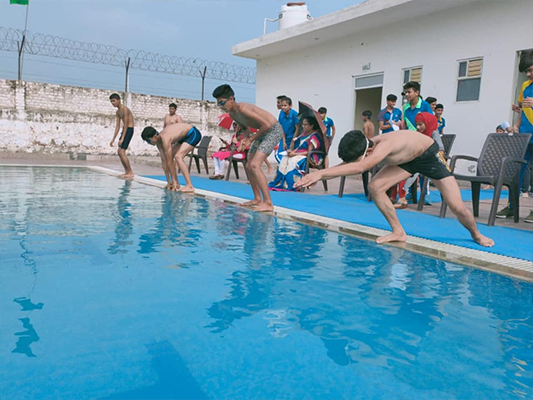 Swimming Classes in Heritage Global School